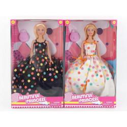 Lalka w suknie balowej...